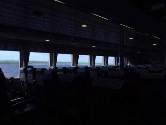 6月下旬人の少ない安永観光ぱいじま2大揺れの2時間以上を耐え波照間島が見えてくる