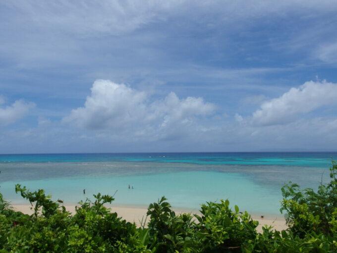 6月下旬人の少ない有人島日本最南端波照間島唯一無二の青さを湛えるニシ浜