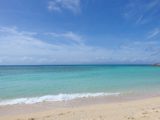 6月下旬人の少ない有人島日本最南端波照間島鮮烈な中に柔らかさを秘める波照間ブルー