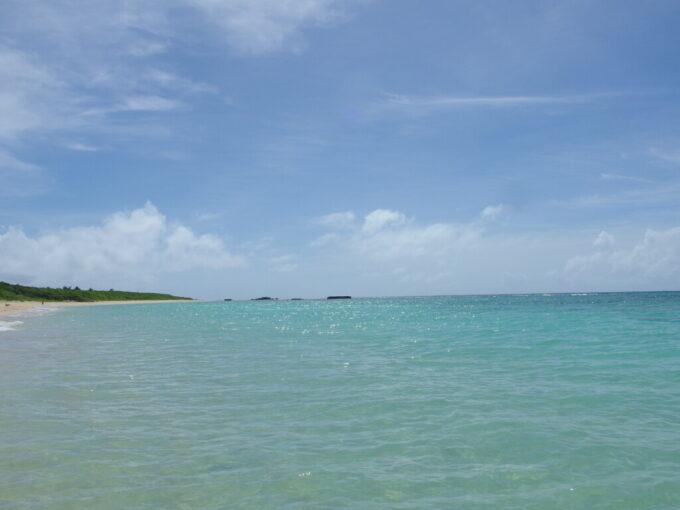 6月下旬人の少ない有人島日本最南端波照間島見事な波照間ブルーに染まるニシ浜
