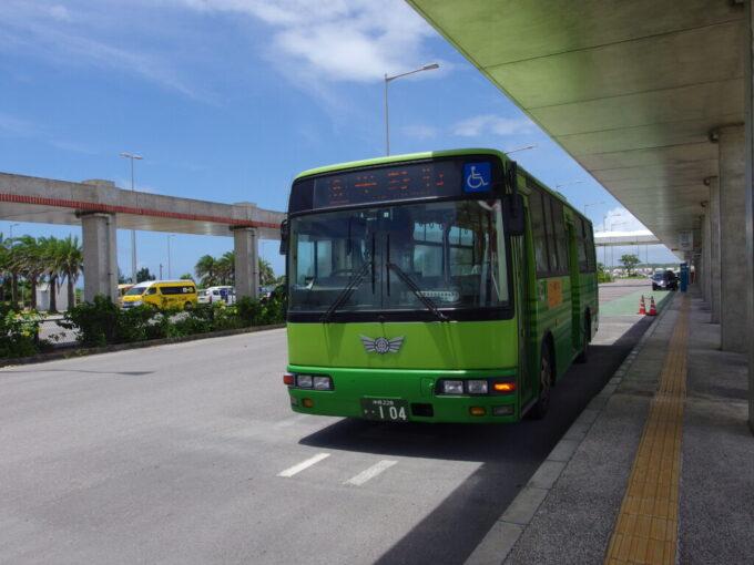 6月下旬人の少ない石垣島東運輸平野行バス