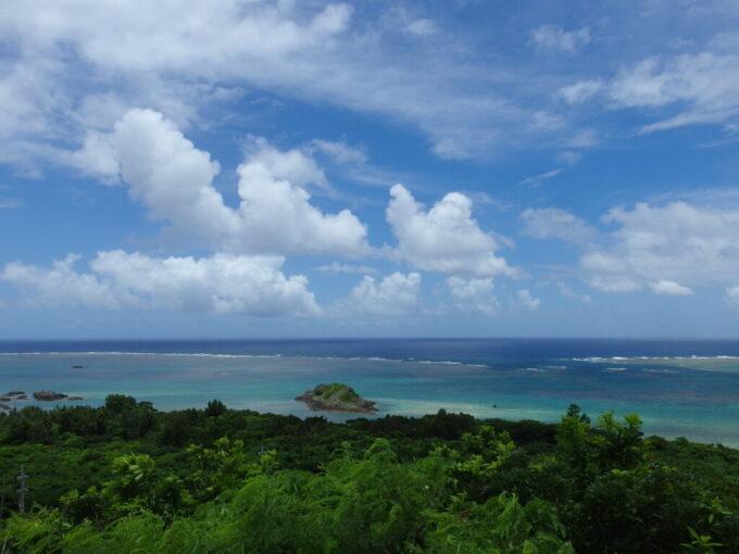 6月下旬人の少ない石垣島玉取崎美しく染まる青い珊瑚礁