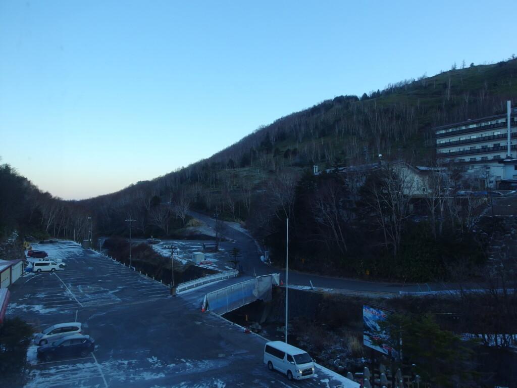 11月中旬志賀高原熊の湯で迎える爽やかな朝