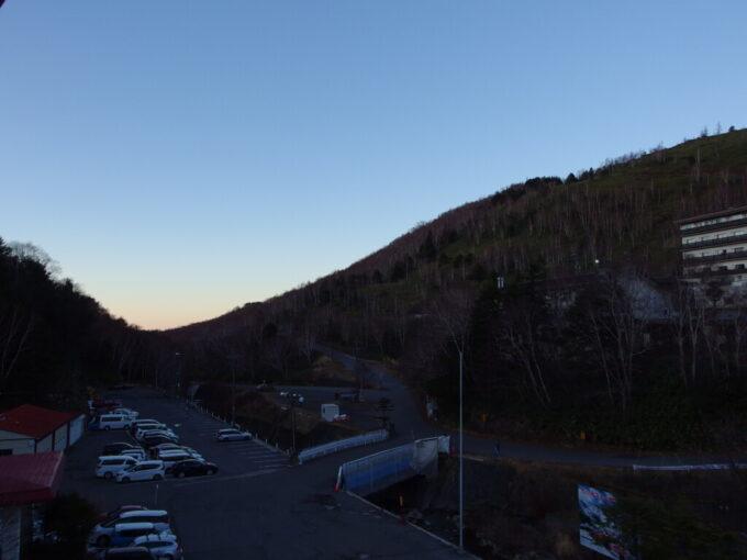 11月中旬志賀高原熊の湯高原に忍び寄る夜の気配