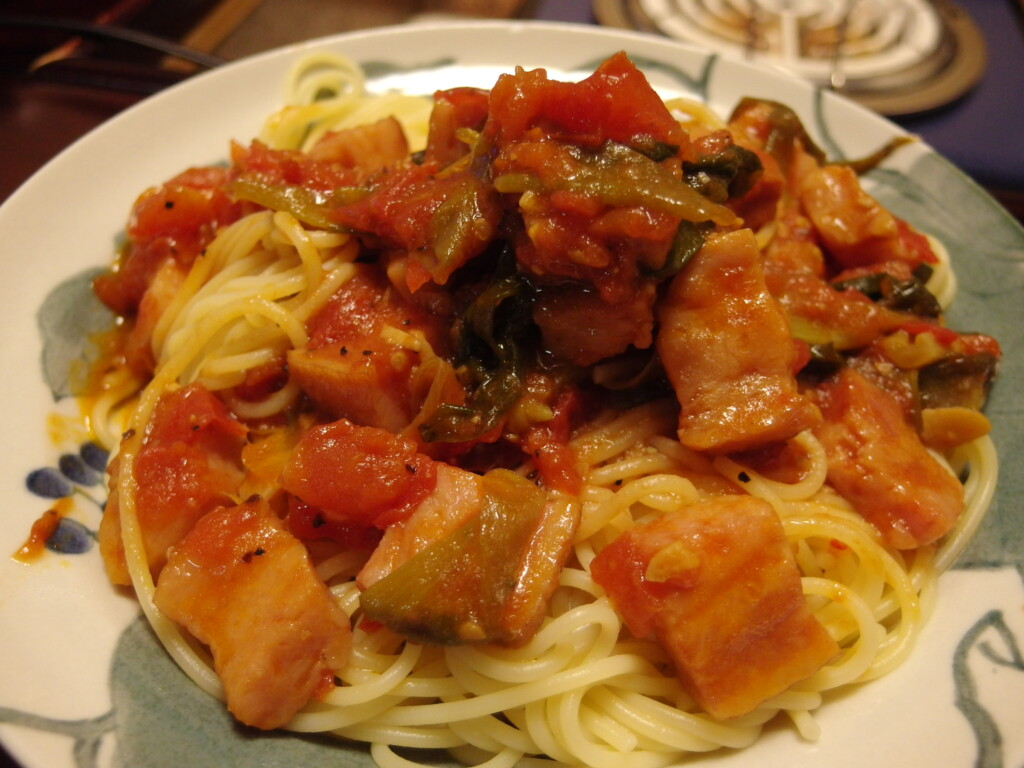 わけぎと生トマトの焦がし醬油スパ